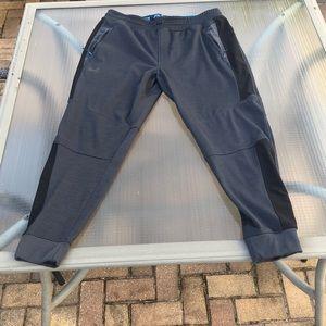 Under Armour Workout/ Training Pants size XL
